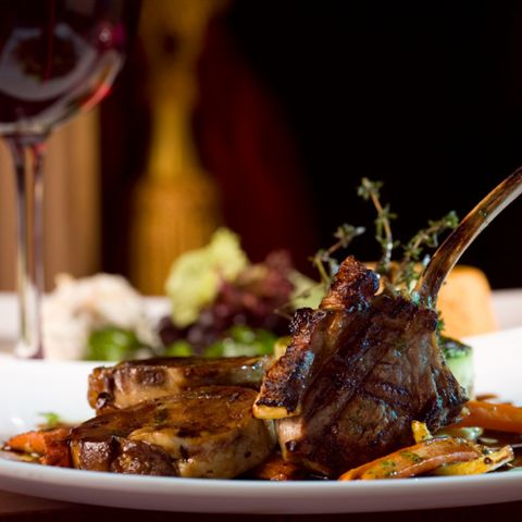 Local fine dining near the Emeral Shores Hotel is easy to find