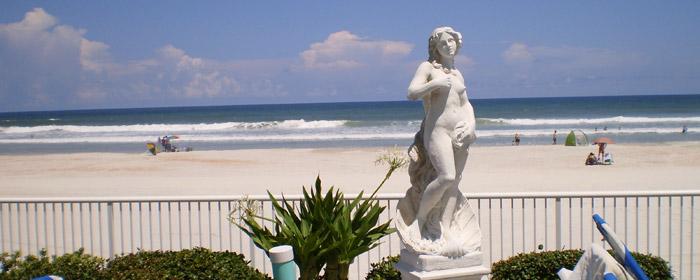 Emerald Shores Hotel statue
