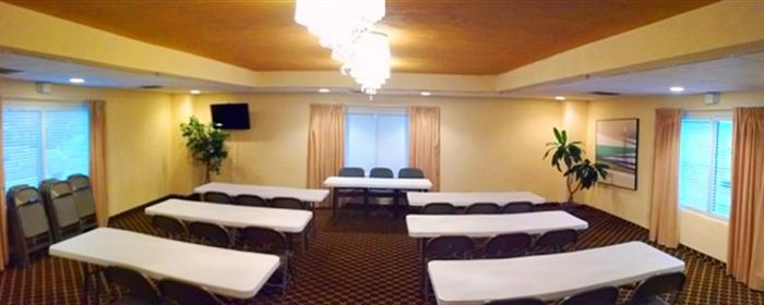 Meeting room set up for a group event in Daytona Beach